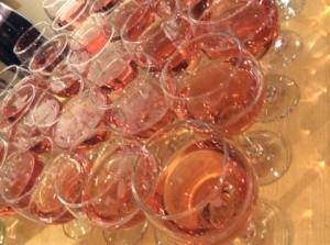 ワインと花とアート01